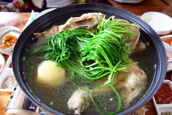 가평 멧돌바위양어장 토종 닭백숙