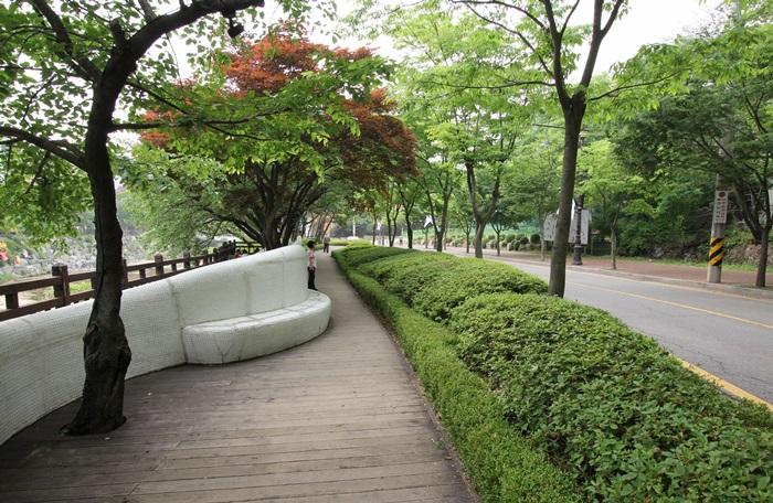 안양예술공원 찻길
