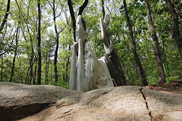 정령의 숲 조형물