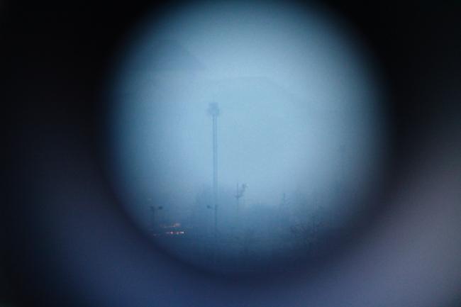 망원경 속 풍경