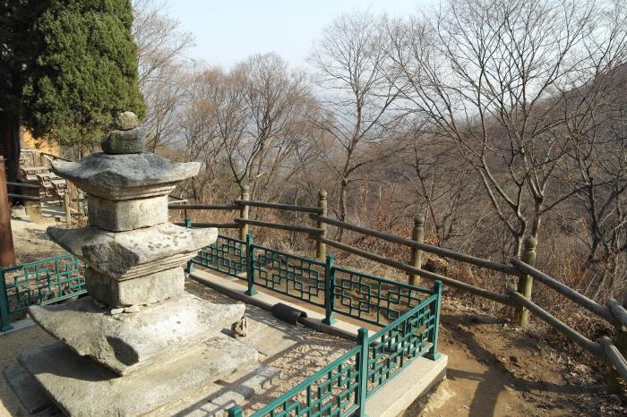 현등사 지진탑