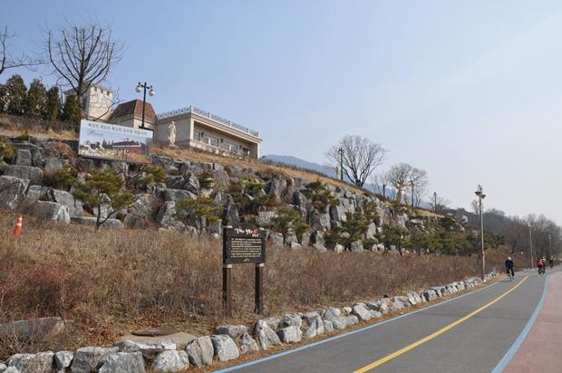 남한강변 산책로