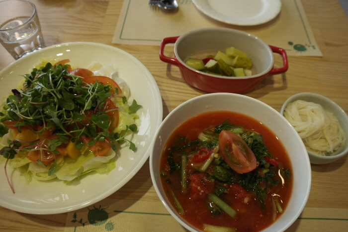 토마토 국수, 토마토 효소 샐러드