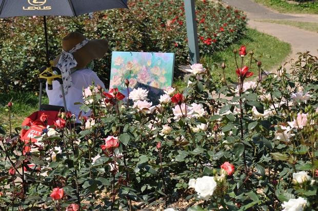 장미꽃과 화가