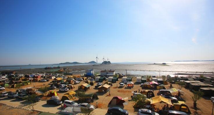 탄도항 노을펜션 캠핑장