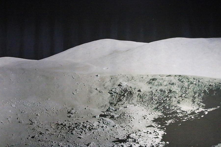 루노코드 2호가 찍은 달표면