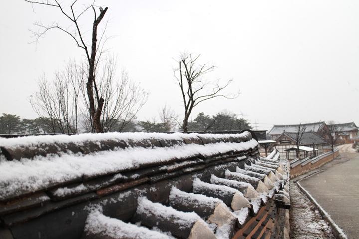 눈오는날 산사원 풍경