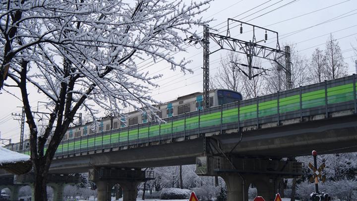 고잔역 진입중인 열차