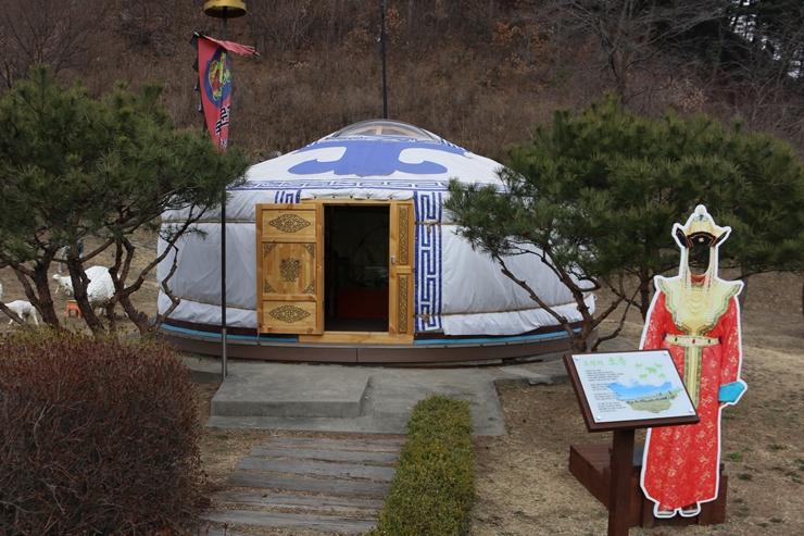 몽골 전통 가옥인 게르의 모습