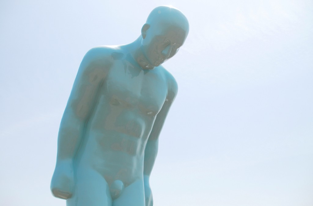 인사하는 동상
