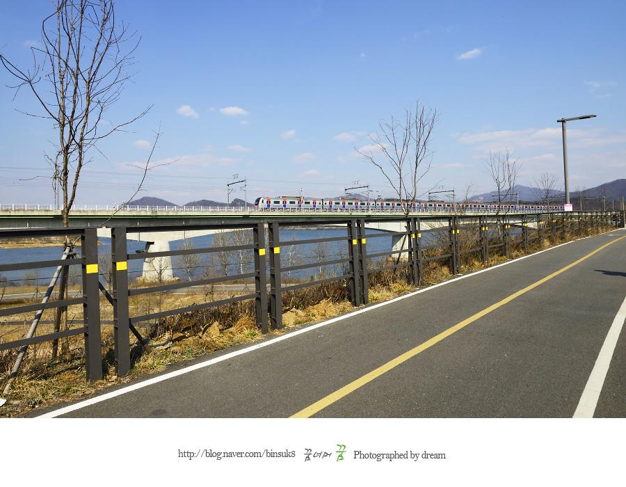 자전거 길의 모습