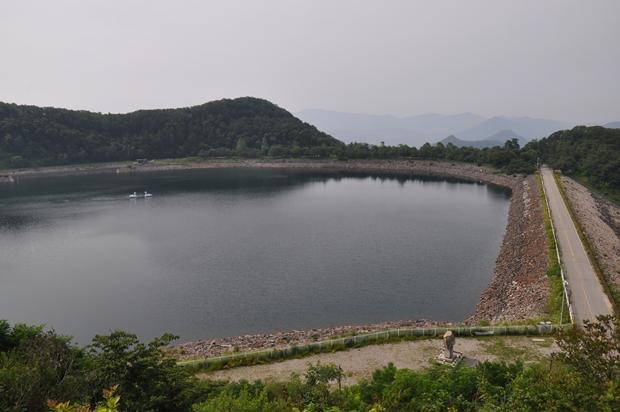 전망대에서 바라본 호수