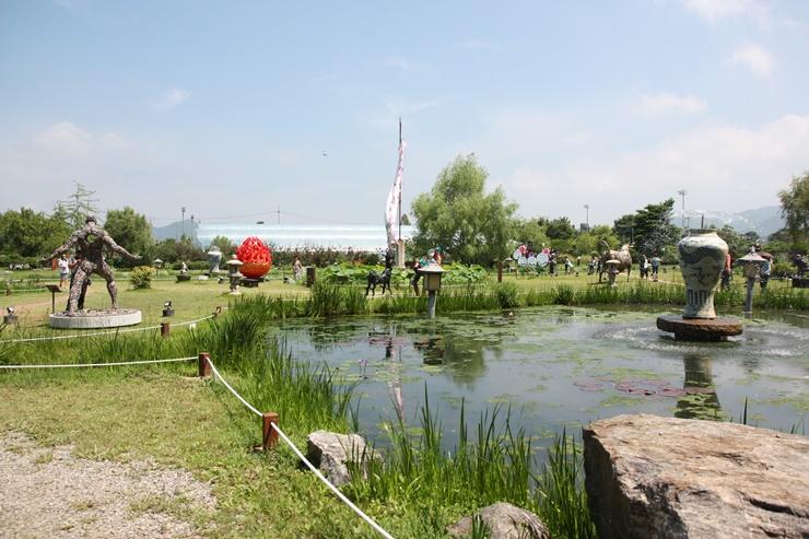 분수가 있는 연못