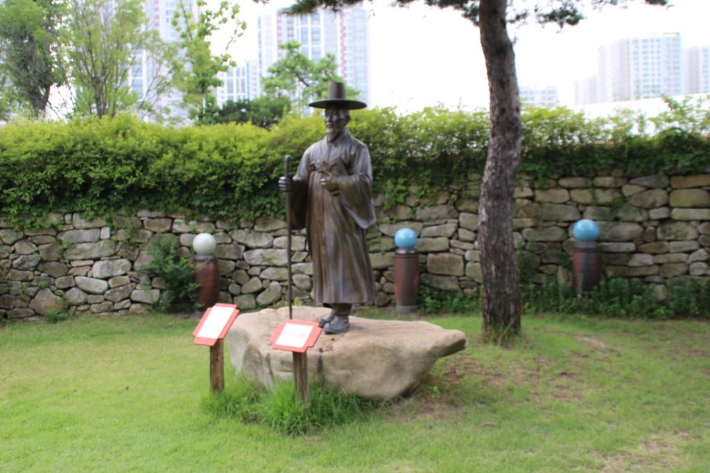 안토니오 성인 동상