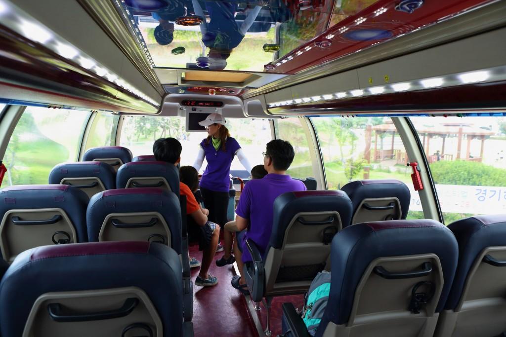 2층 버스 내부