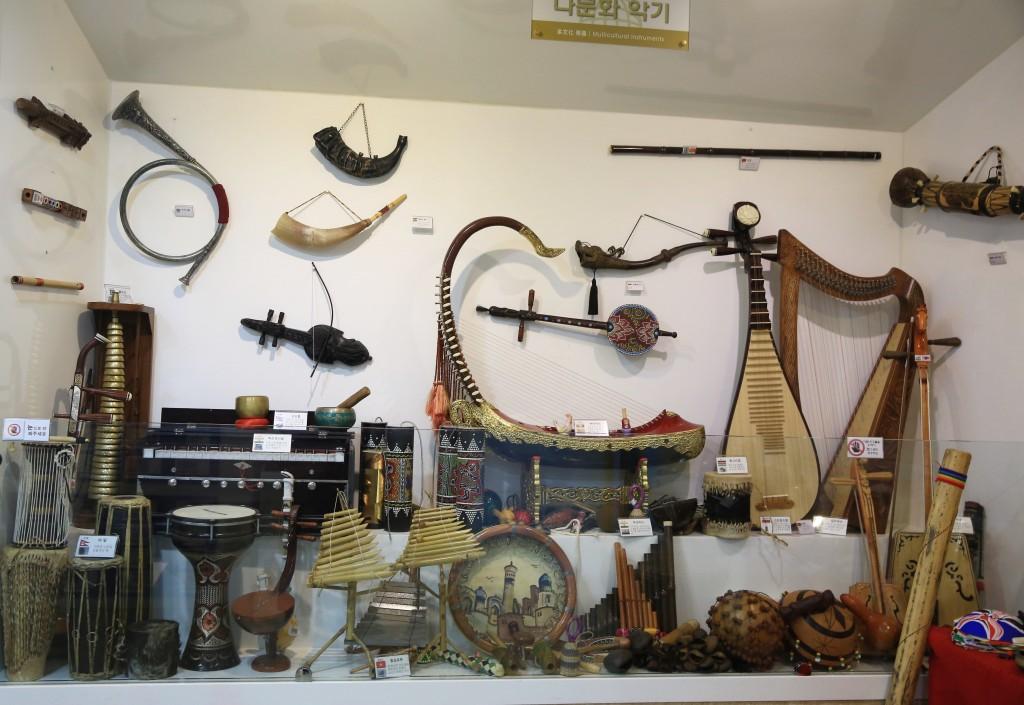 다양한 나라의 악기들