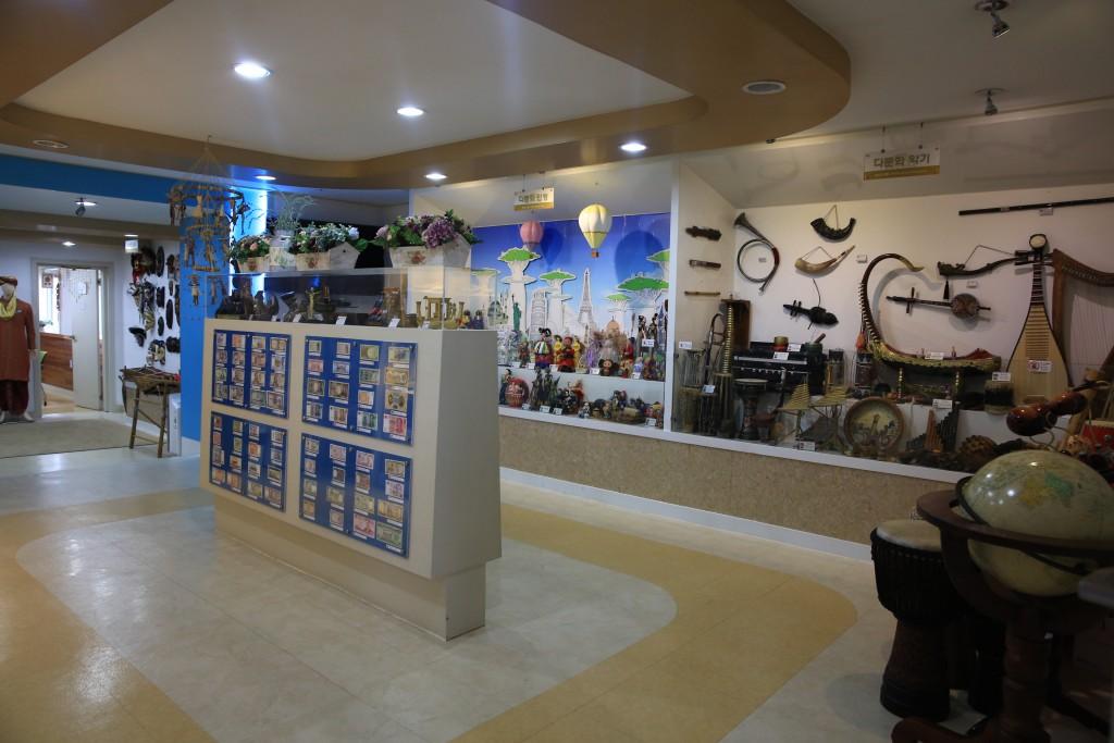 다문화전시관 내부 사진