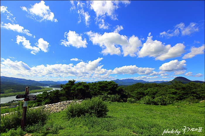 파사성에서 찍은 푸른 하늘