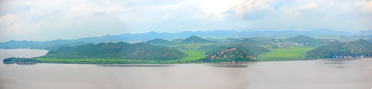 쌍마고지와 선정마을 한터산, 그리고 송악산이 있는 파노라마 사진