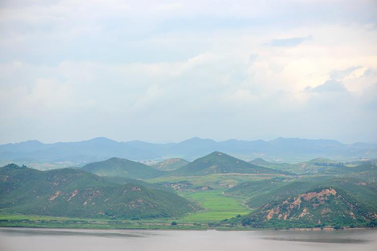 멀리 보이는 북한의 풍경
