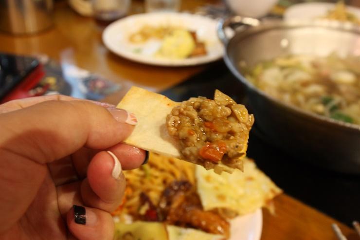 음식이 담긴 접시
