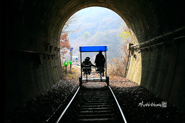 터널을 지나는 레일바이크