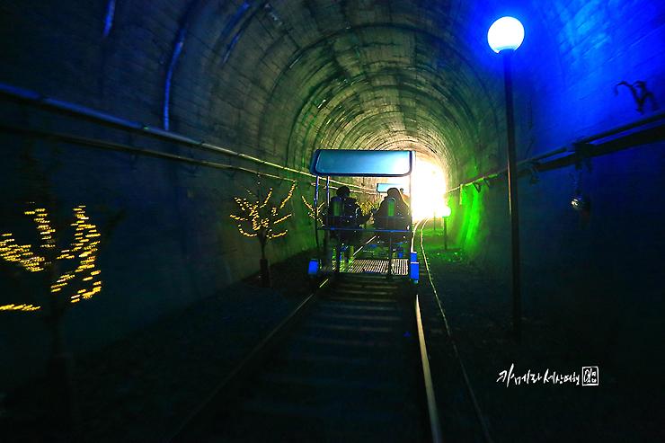 터널의 통과하는 레일바이크