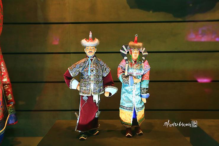 몽골인의 전통의상