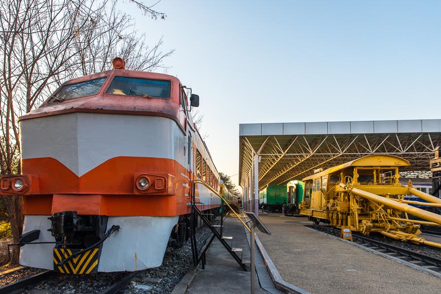 오래된 기관차의 모습