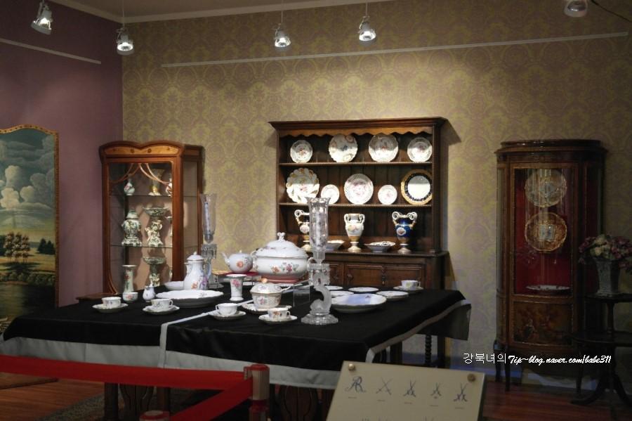 19세기 다이닝룸 재현