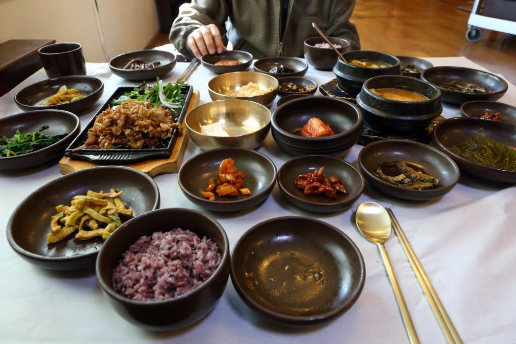 농원 내 레스토랑 솔리의 건강 밥상 한상 차림