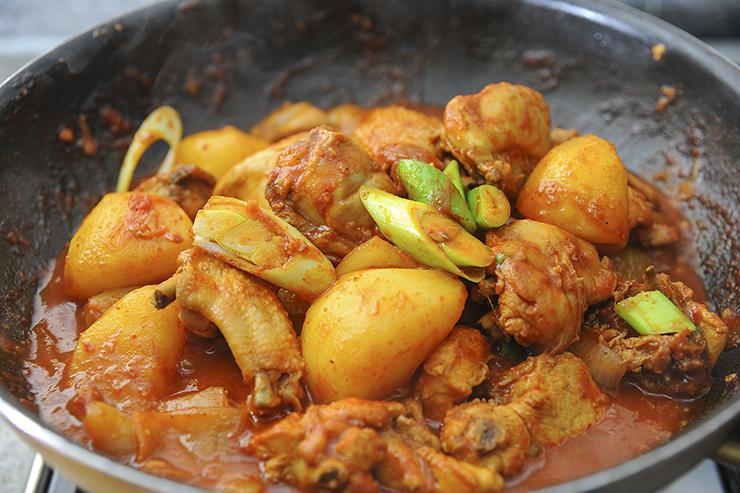 南漢山城の鶏肉の炒め煮。