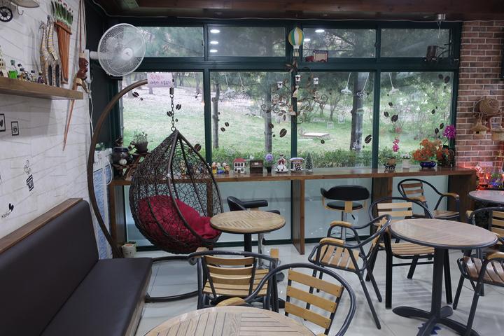 호수공원 입구 카페
