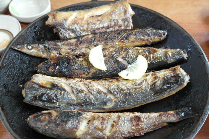 생선구이 근접 사진