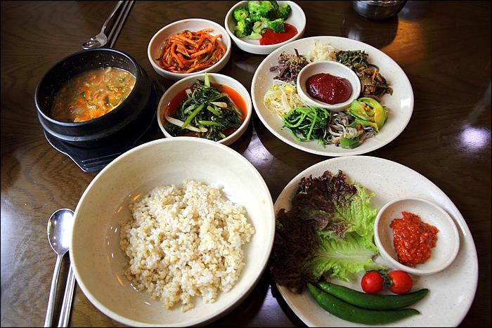 보리밥 한상 차림