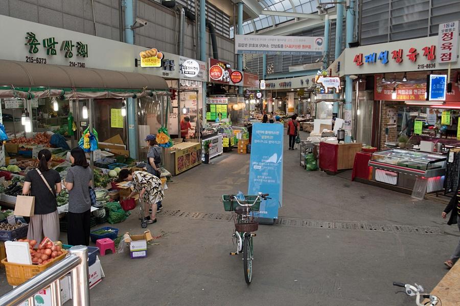 구매탄 시장 내부