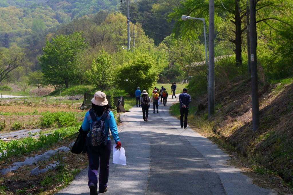 영남길 제 10길 이천옛길을 걷는 사람들