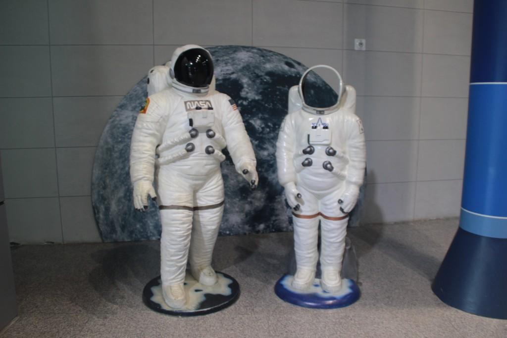 우주인 모형