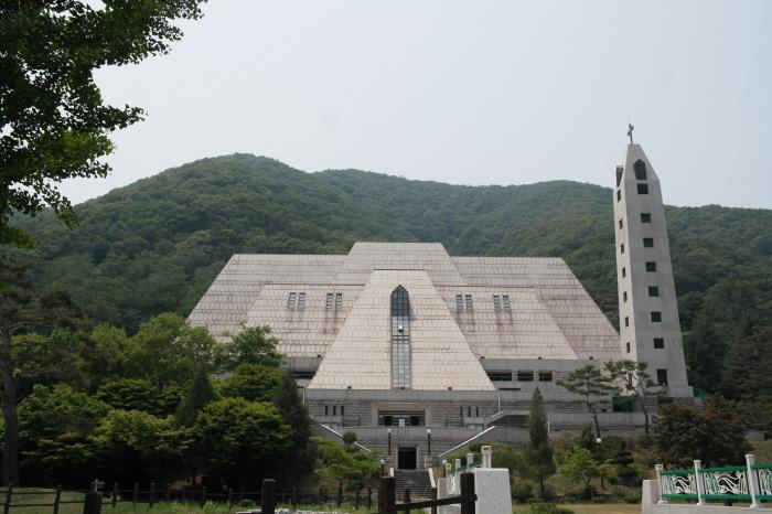103위 한국순교성인 시성 기념 성전