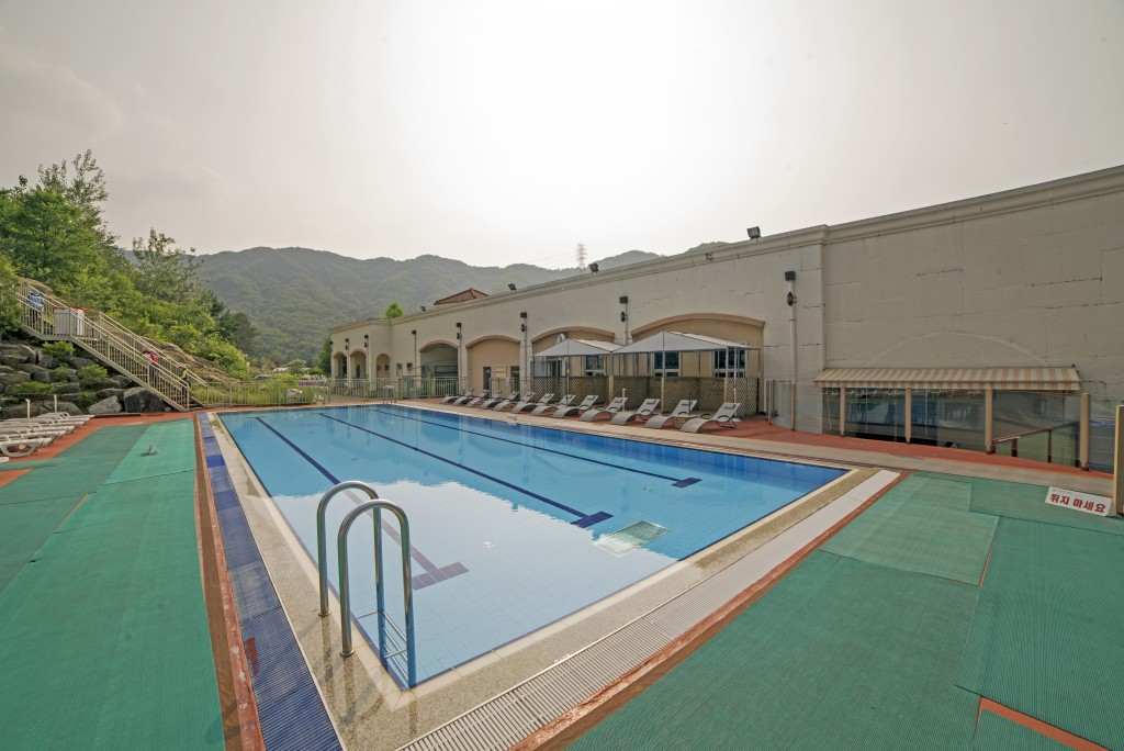야외수영장 전경
