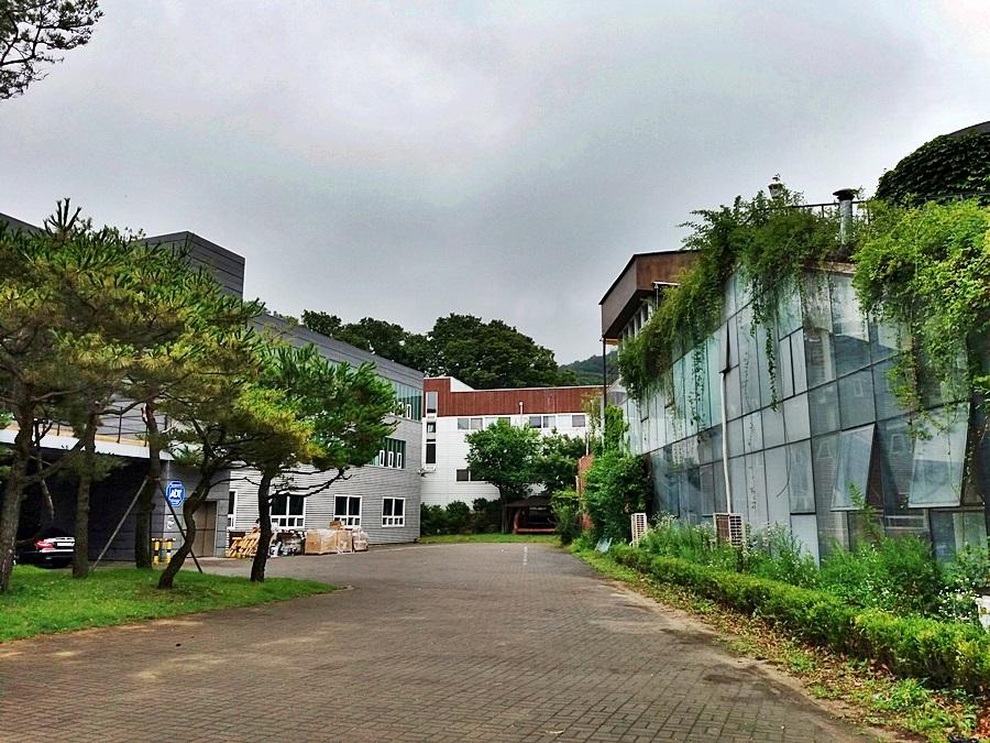 출판단지 건물들