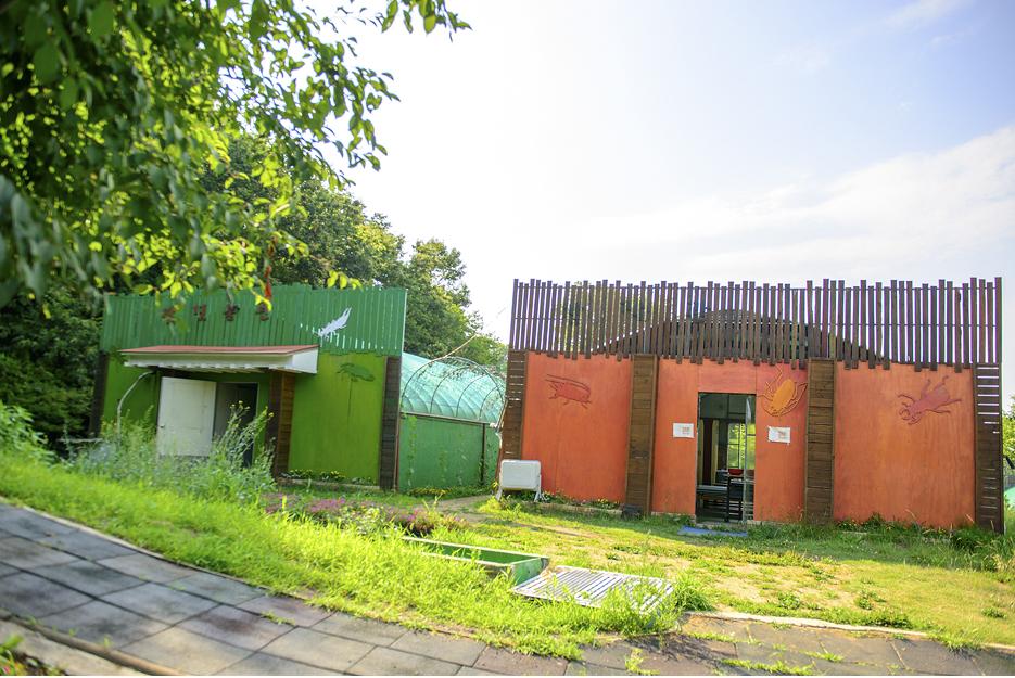 캠핑장 부대시설 건물