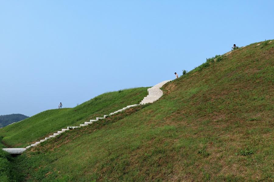 성으로 올라가는 계단