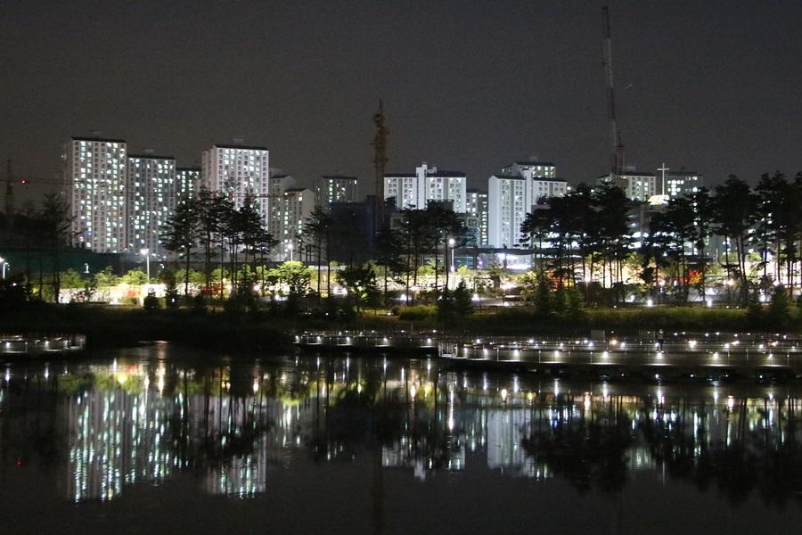 아파트가 보이는 야경