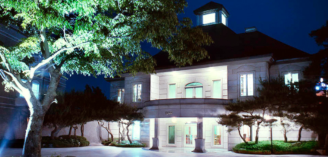 <The Heirs> The Hill House, What a Luxury House Should Be3