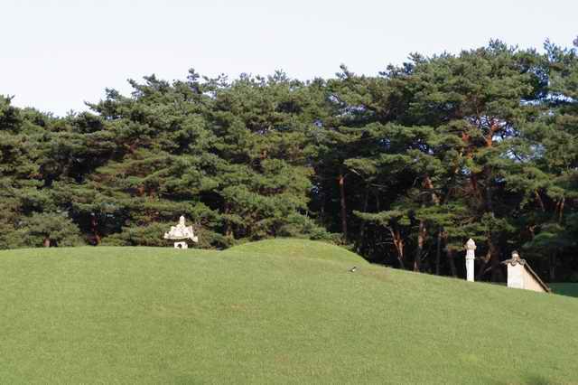 Hongneung and Yureung Royal Tombs2