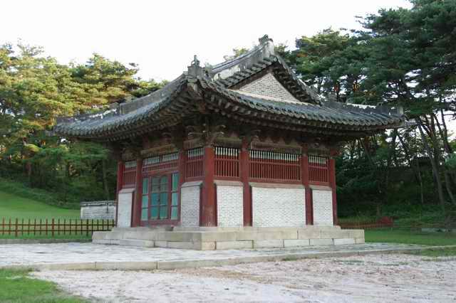 Hongneung and Yureung Royal Tombs3