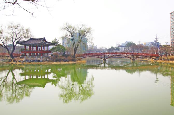 Aeryeonjeong Pavilion of Anheungji Pond