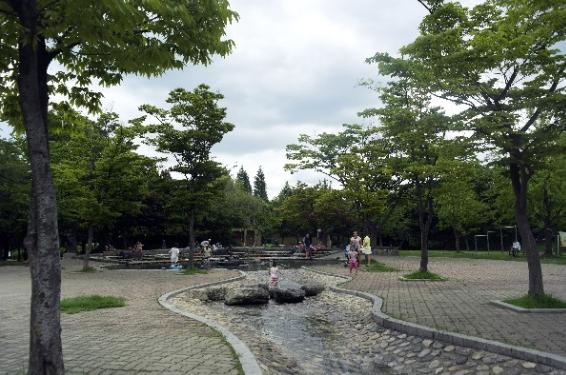 Seongho Park (Danwon Sculpture Park)1