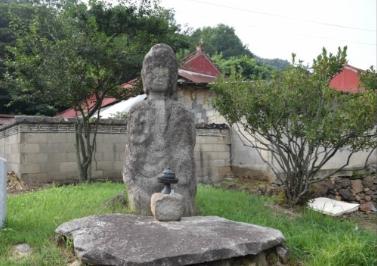 Standing Buddha of Mokssilli2
